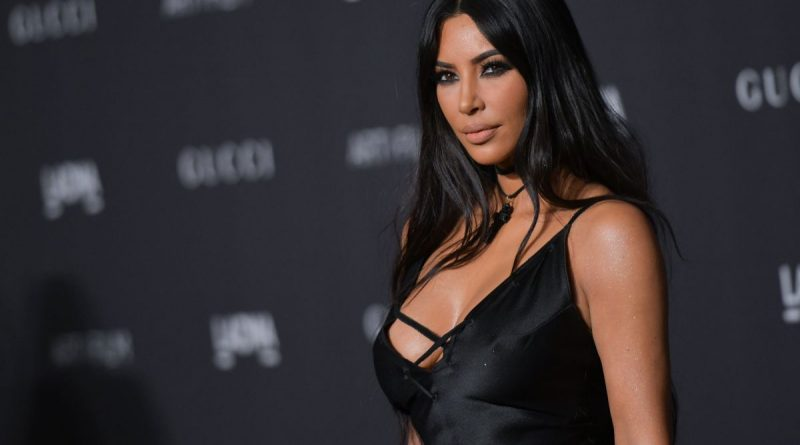 The seductress Kim Kardashian came out with a small and transparent top