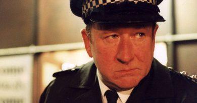 ben roberts derek conway on the bill dies at 70