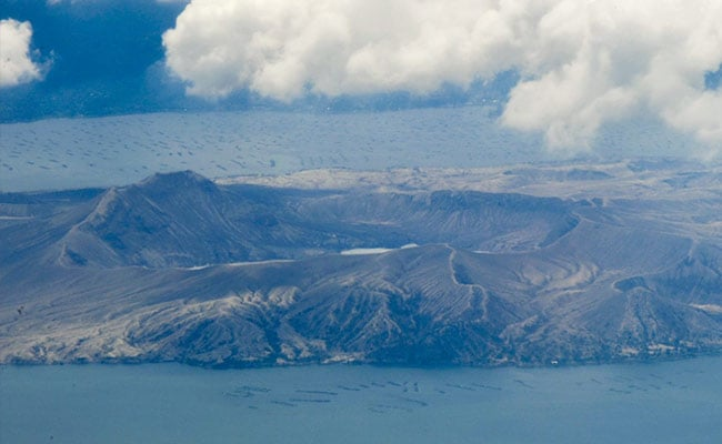 1bd32mic philippines taal volcano 625x300 01 july 21